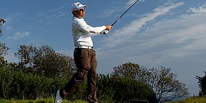 Oosthuizen shoots 62, leads in South Africa