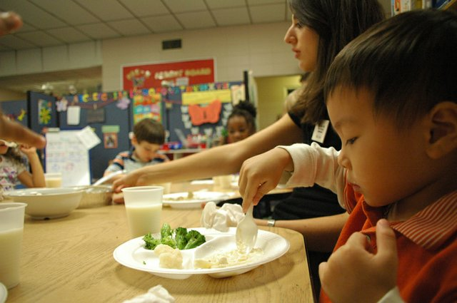 Kids are learning to eat their vegetables as part of a healthy nutrition program by Nemours.