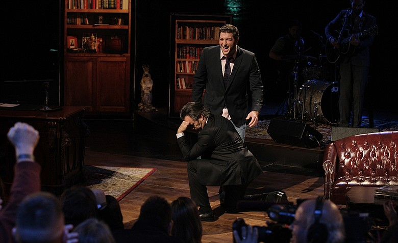 """David Feherty """"Tebows"""" with his first guest, NFL star Tim Tebow, on his new Golf Channel show."""
