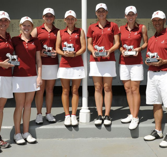 Alabama women&#39;s golf team, winner of the Liz Murphey Collegiate Classic.