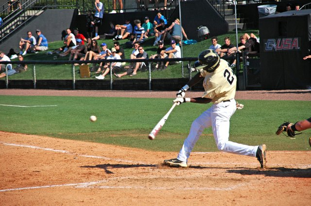 Darnell Sweeney had a run and an RBI in UCF's comeback win over UAB.