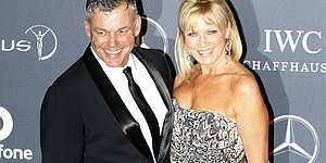 Darren Clarke gets married on Bahamian beach