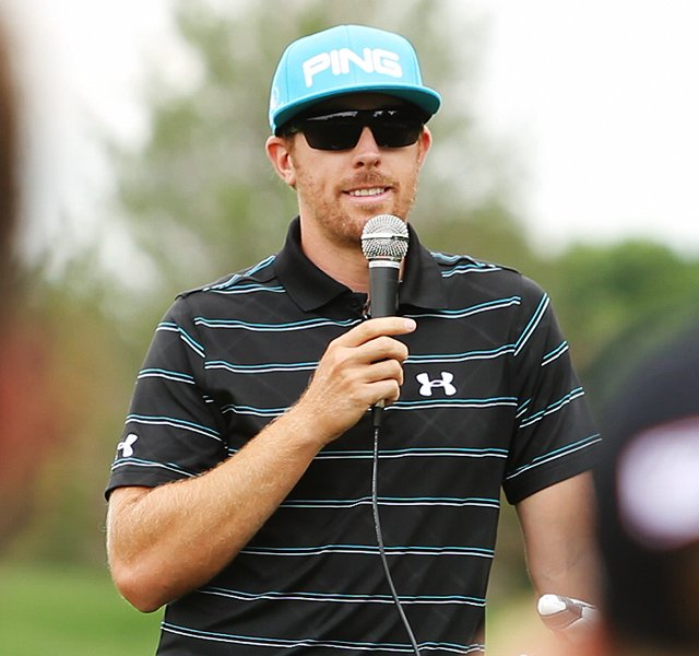 Hunter Mahan kicks off the AJGA Under Armour/Hunter Mahan Championship.