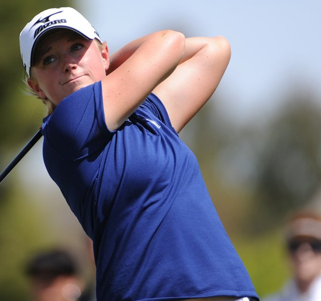 Stacy Lewis will enter the final round of the Mobile Bay LPGA Classic with a two-shot lead.