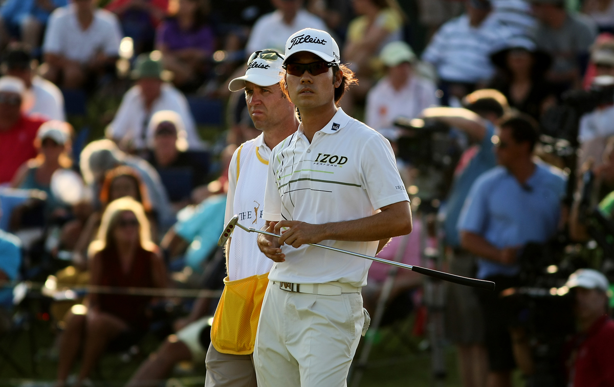 Kevin Na rolled in a 15-foot birdie putt on the final hole Saturday for a 4-under 68 and a one-shot lead at The Players Championship.