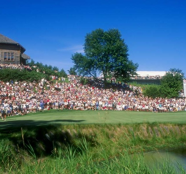 Crowds gather at Blackwolf Run&#39;s 18th hole during the 1998 U.S. Women&#39;s Open.