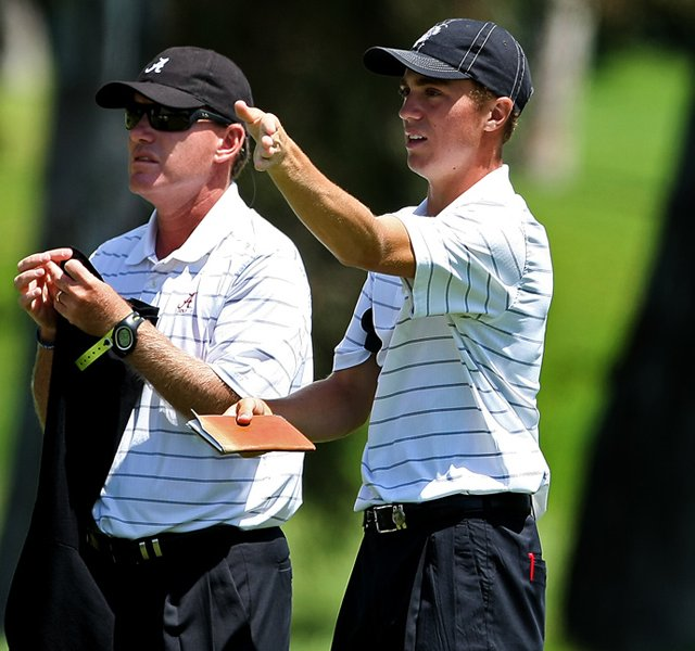 Alabama&#39;s Justin Thomas and head coach Jay Seawell during the 2012 NCAA Championship.