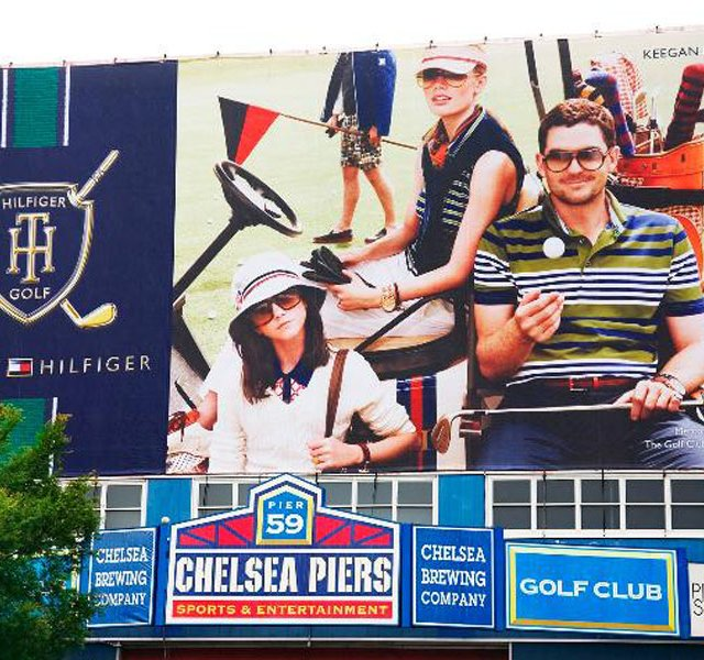 The Tommy Hilfiger Group entered into a sponsorship deal with the Golf Club at Chelsea Piers in New York City.