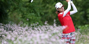 Blackwolf runaway: Choi takes six-shot lead