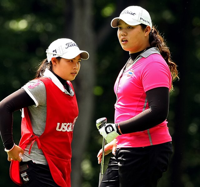 Moriya Jutanugarn, left, and her sister, Ariya, during the quarterfinals at the 112th U. S. Women&#39;s Amateur Championship. Ariya defeated Erynne Lee to advance to the semifinals.