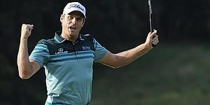 Watney leans on caddie to win Barclays