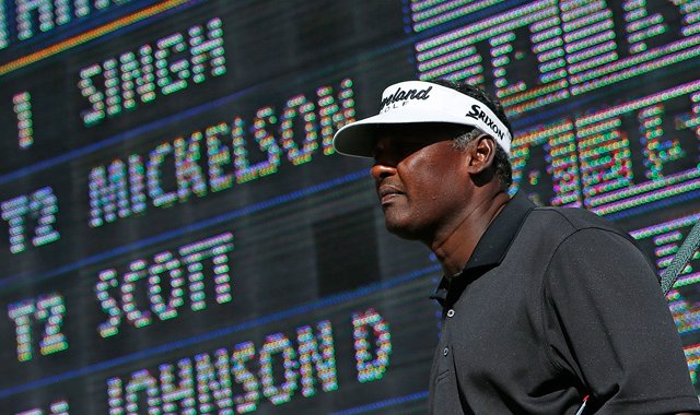 Vijay Singh (69) will start Sunday&#39;s final round tied with Phil Mickelson (64) for the lead at 16 under.