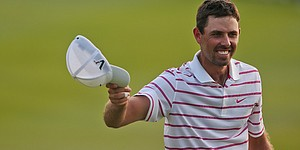 Schwartzel cruises to 11-shot victory in Thailand