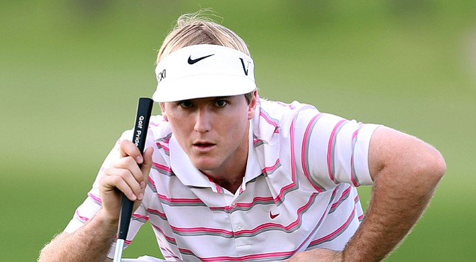 Russell Henley shares the lead heading into the final round of the Sony Open in Honolulu.