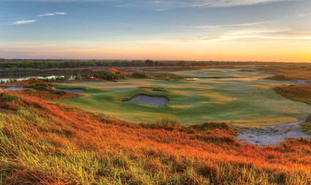 The 12th hole on Streamsong&#39;s Blue course.