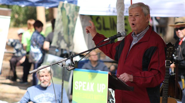 Former U.S. Sen. Bob Graham asked for a cleanup of the Wekiva River, which has seen algal blooms and sludge from pesticides and fertilizers that have crept into the water.