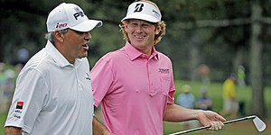 Snedeker falls short but moves forward