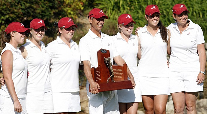 The Alabama women's golf team after winning the 2013 SEC Championship.