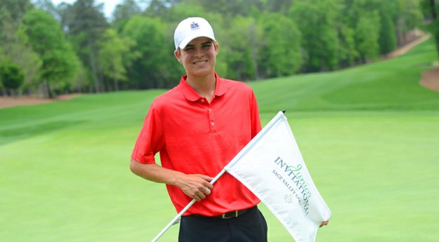 Young plays &#39;smart&#39; and lands Junior Invitational title