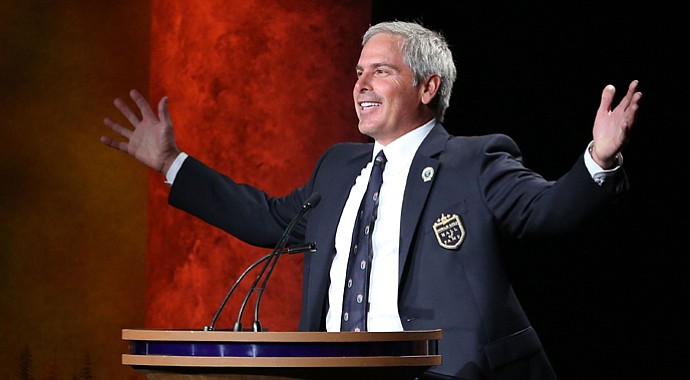 Fred Couples speaks during his induction into the World Golf Hall of Fame on Monday.