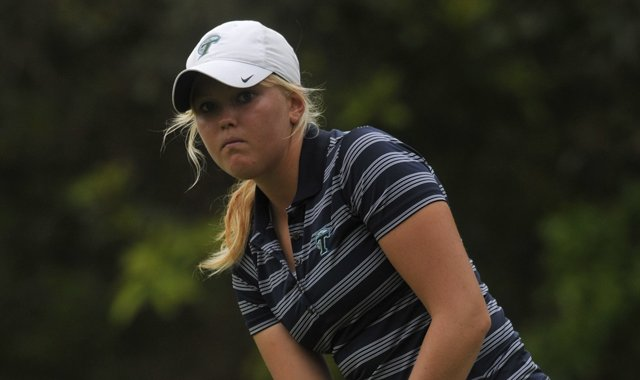 Tulane&#39;s Emily Penttila led the Green Wave during the opening round of the NCAA East Regional.