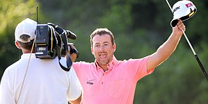 McDowell outlasts Jaidee to win Volvo Match Play