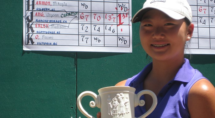 Jiyoon Jang after winning the Golfweek West Coast Junior Invitational.