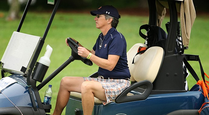 Auburn head coach Kim Evans hopes to make an appearance at the NCAA Championship before she begins treatment for ovarian cancer.