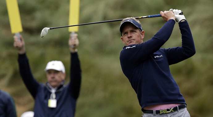 Luke Donald fired a 2-under 68 in the first round of the U.S. Open to sit one shot off the lead.