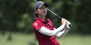 Park falls, Chen remains at Women's Publinx