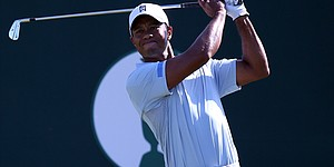 How it happened: Jimenez takes lead; Tiger 1 back
