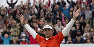 Luiten wins KLM Open in playoff with Jimenez