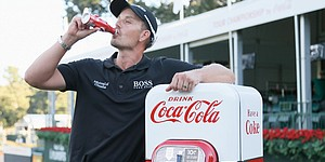 Stenson's new challenge: Finding 4 Coke machines