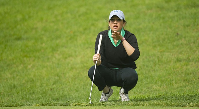 Medalist Julia Potter advanced to Round 2 of stroke play at the U.S. Women's Mid-Amateur.