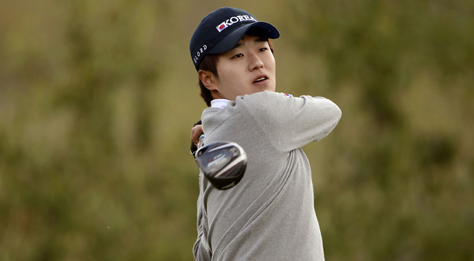 Chang-woo Lee of Korea will take a one-shot lead on Zecheng Dou into the final round of the Asia-Pacific Amateur Championship. The top 10 players on the leaderboard are only separated by seven shots after 54 holes at Nanshan International Golf Club in Longkou City, China.