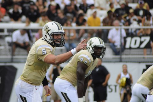 UCF quarterback Blake Bortles threw for a career-high 404 yards in a thriller comeback in Philadelphia.