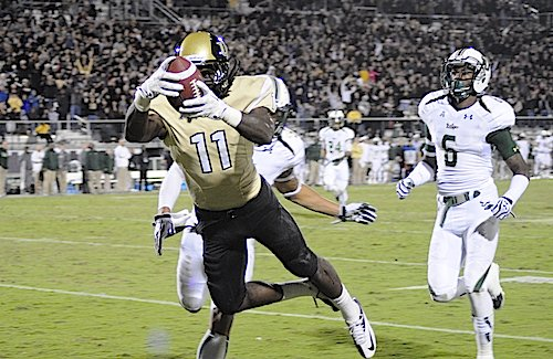 UCF wide receiver Breshad Perriman catches the game-winning touchdown against the USF Bulls Nov. 29.