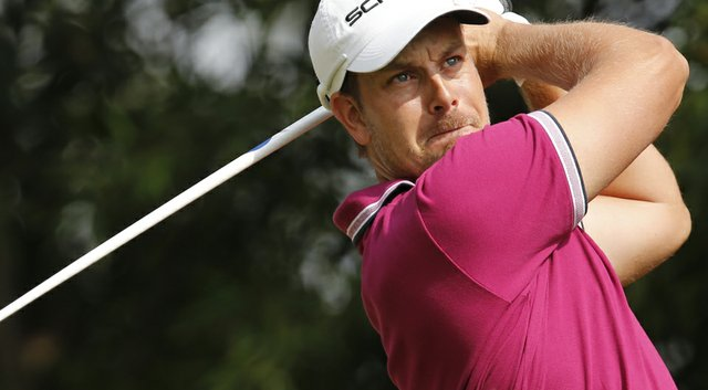 Henrik Stenson signed an equipment deal with Callaway Golf on Friday, the company announced via Twitter.