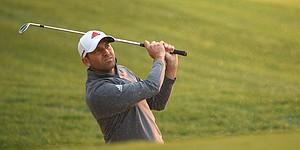 Garcia, Mickelson start slowly in Abu Dhabi