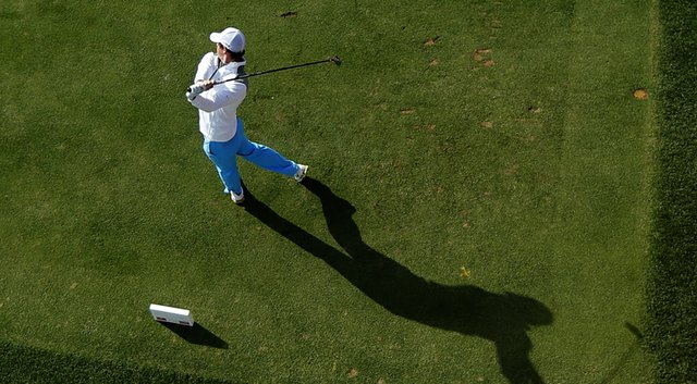 Rory McIlroy made few mistakes on Thursday, firing a 9-under 63 during Round 1 of the Omega Dubai Desert Classic.