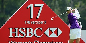 Webb shoots 66 to take 1-shot lead in Singapore