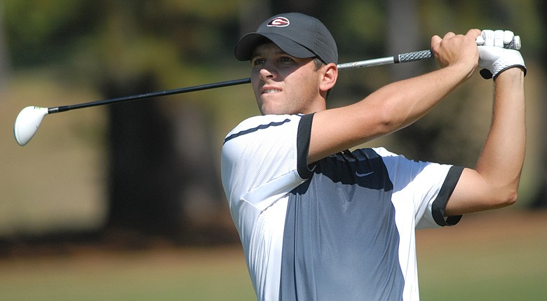 Georgia's Michael Cromie outlasted Alabama's Robby Shelton in a one-hole playoff to win the individual title at the Linger Longer Invitational on Sunday.