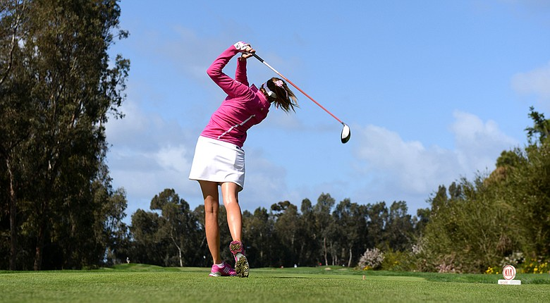 Paula Creamer fired a 5-under 67 to hold a share of the lead at the Kia Classic in Round 1.
