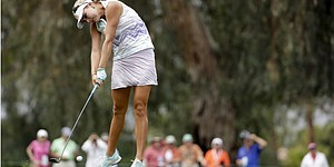 64 propels Lexi Thompson to share of Kraft lead