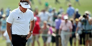 Left out: Mickelson, Garcia headline shocking cuts