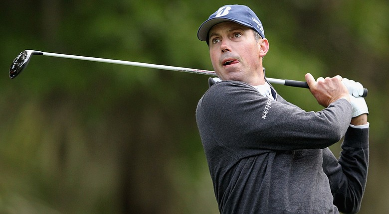 Matt Kuchar fired a 5-under 66 in the first round of the RBC Heritage.
