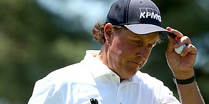 Absence of top-10s underscores Mickelson's start