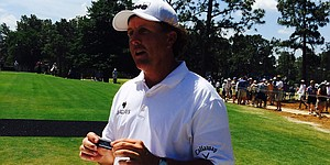 VIDEO: Mickelson on the harmonica?! He's got skills