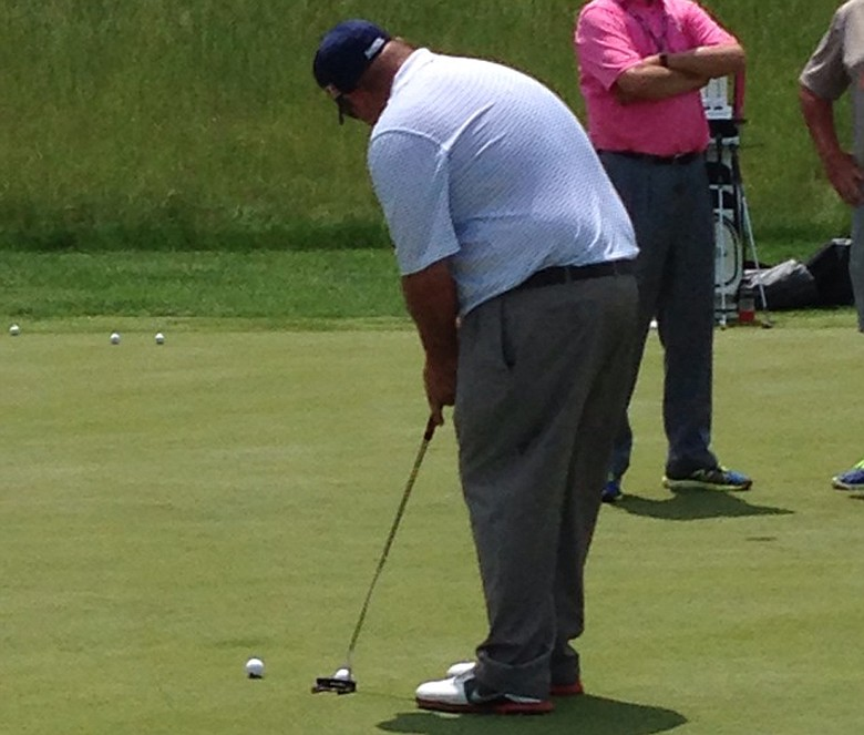 Kevin Stadler was spotted putting lefty with a Rife General on the practice green at the Travelers Championship.