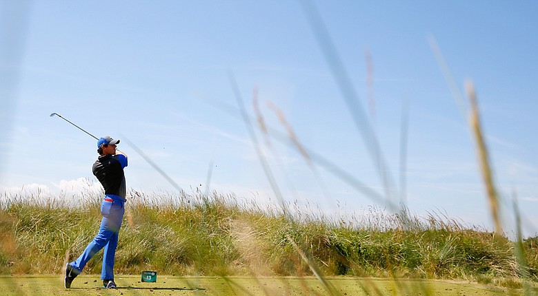 Rory McIlroy fired a bogey-free, 6-under 66 on Thursday at the Open Championship.